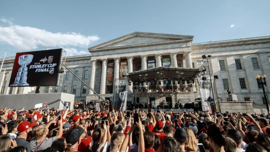 A great shot of our self climbing truss roof when it was built on the steps of the smithsonian portrait gallery for the Washington Capitals Stanley Cup pre-game concerts.